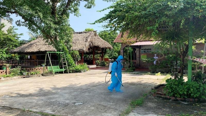 Một khách sạn trên địa bàn tỉnh tổ chức cách ly cho người nước ngoài nhập cảnh vào làm việc tại Ninh Bình.