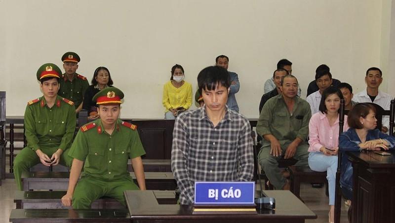 Nguyễn Văn Linh tại toà.