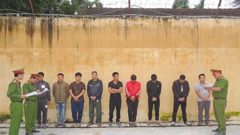 Hà Nam: Bắt quả tang 9 đối tượng đánh bạc tại nhà ở, thu giữ 76 triệu đồng