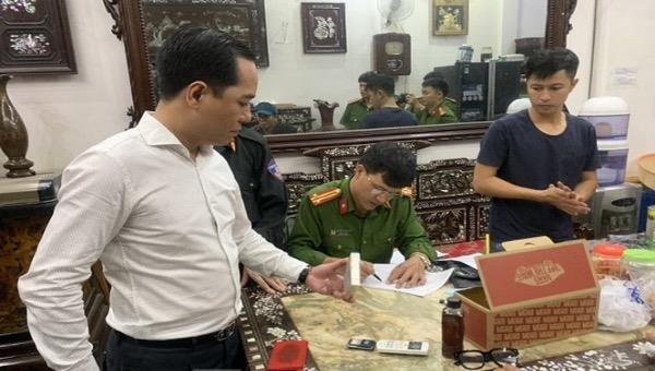 Phó Giám đốc Công an tỉnh Thái Bình Phạm Mạnh Hùng trực tiếp chỉ đạo các đơn vị nghiệp vụ triệt phá vụ án buôn ma tuý.