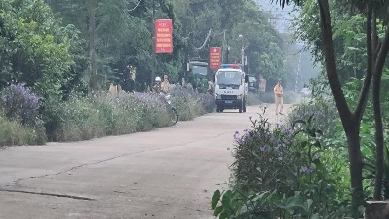 Tam Điệp (Ninh Bình) xử lý kiến nghị của người dân về xe chở vật liệu trên đường dân sinh