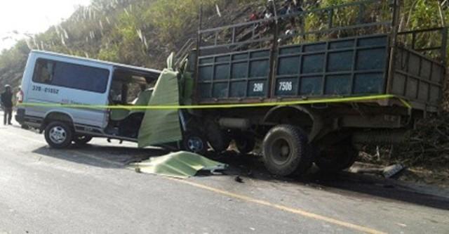 Thanh Hóa: TNGT kinh hoàng, 9 người chết, 5 người nguy kịch