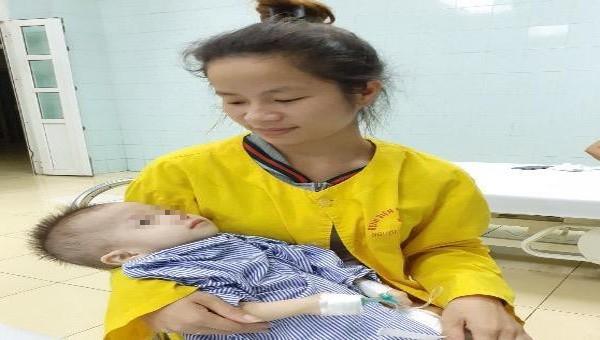 Đưa dụng cụ từ đùi lên tim, cứu cháu bé 13 tháng tuổi bị bệnh hiếm gặp