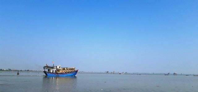 Bộ đội Biên Phòng Thanh Hoá cứu nạn thành công 7 ngư dân khi tàu gặp nạn