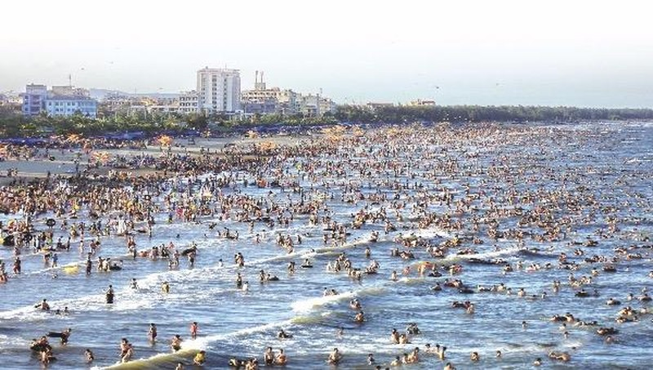Sầm Sơn là một trong những khu du lịch biển đông khách nhất trên cả nước.