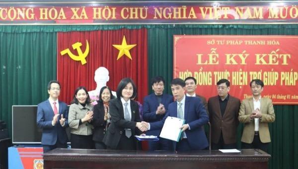 Thanh Hoá: Ký kết hợp đồng thực hiện trợ giúp pháp lý với các luật sư và các tổ chức hành nghề luật sư