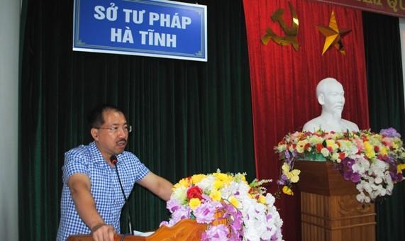 ông Cù Thu Anh- Cục trưởng Cục Trợ giúp pháp lý (Bộ Tư pháp) phát biểu tại Hội nghị.
