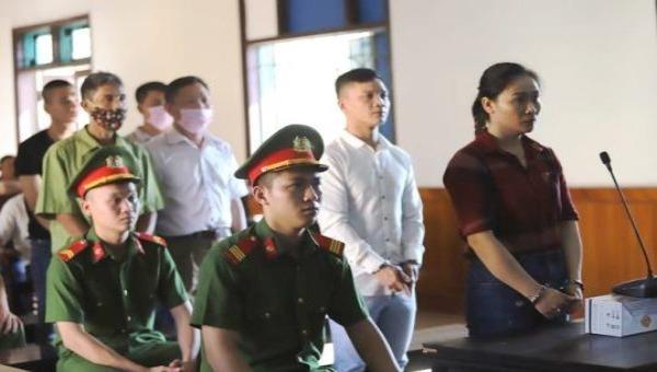 Các bị cáo tại phiên tòa sơ thẩm sáng 31/8.