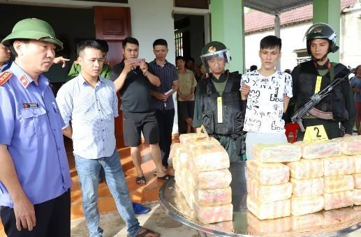 Công an Hà Tĩnh bắt vụ vận chuyển 31kg ma túy đá hồi tháng 6/2020.