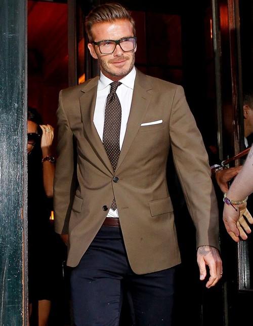 """Những bộ cánh thời trang """"đốn tim"""" phái đẹp của David Beckham 6"""