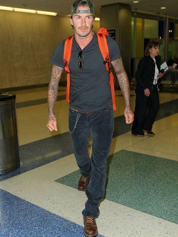 """Những bộ cánh thời trang """"đốn tim"""" phái đẹp của David Beckham 28"""