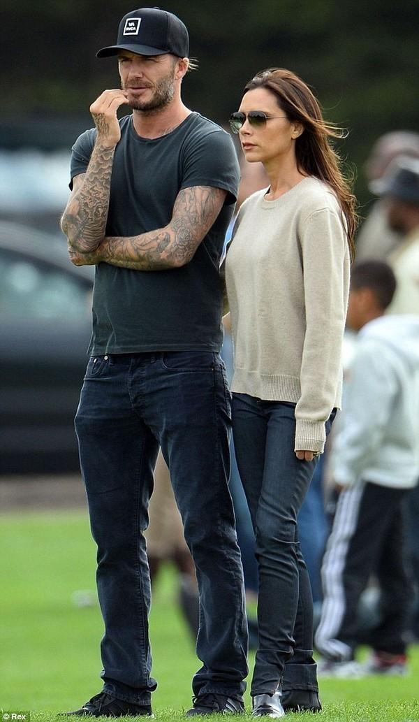 """Những bộ cánh thời trang """"đốn tim"""" phái đẹp của David Beckham 14"""
