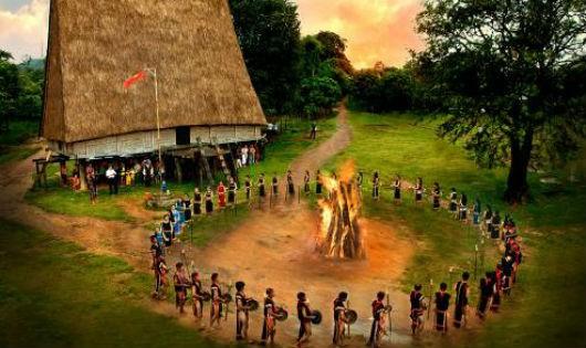 Người giữ lửa cồng chiêng