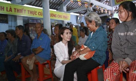 Phan Thị Mơ kỷ niệm sinh nhật bằng chuyến đi từ thiện ý nghĩa