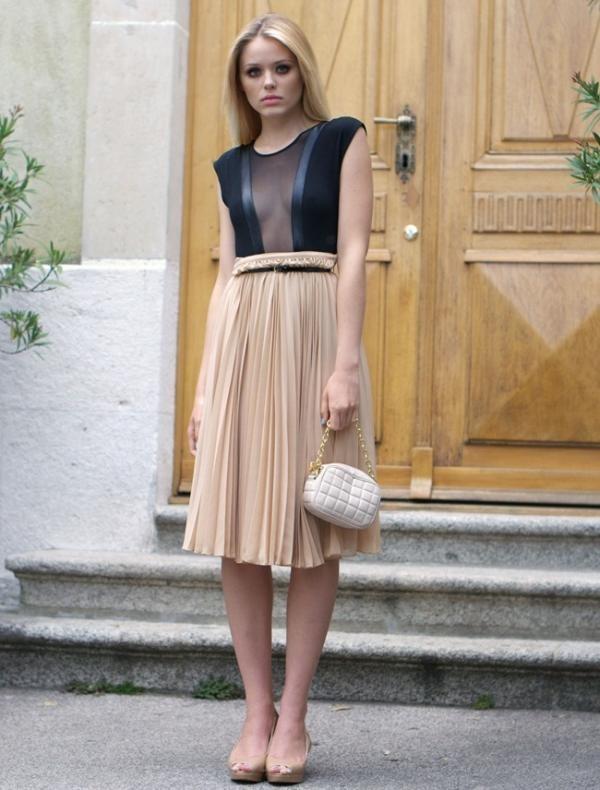Kết quả hình ảnh cho Chân váy midi với áo cổ chữ V SAO cHÂU âU