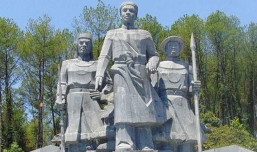 """Phan Đình Phùng  – Ông quan ngự sử """"gan hùm"""""""