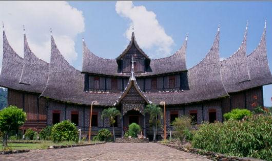 Thú vị Minangkabau: Đàn bà làm chủ, đàn ông là khách