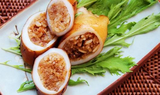 Mực nhồi cơm với sốt teriyaki nóng hổi của Nhật Bản lạ miệng