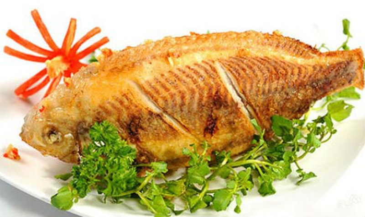 7 điều thuộc 'nằm lòng' để rán cá giòn, không dính chảo