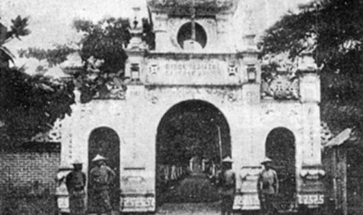 Cổng trại lính khố xanh tỉnh Thái Nguyên xây năm 1913, nơi diễn ra cuộc khởi nghĩa năm 1917