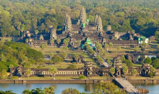 Quần thể Angkor Wat được xây dựng suốt 30 năm kể từ năm 1113