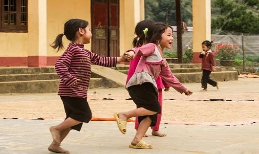 Những đứa trẻ làng Đồng Lệnh