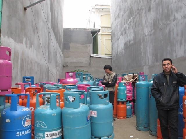 Hải Dương:  Xử lý cơ sở kinh doanh gas hoạt động trái phép giữa khu dân cư