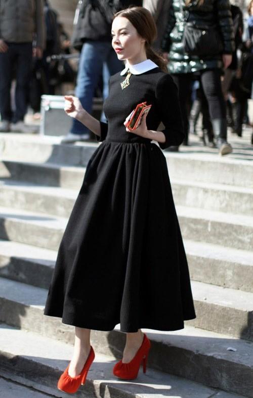 Kết quả hình ảnh cho Váy xòe sao Châu Âu