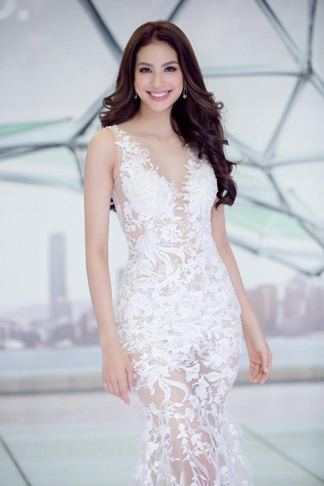 Kết quả hình ảnh cho Đầm ren trắng sao Châu Âu