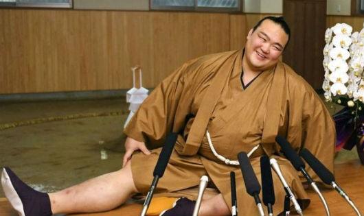 Kisenosato, nhà vô địch sumo đầu tiên người Nhật Bản kể từ năm 1998