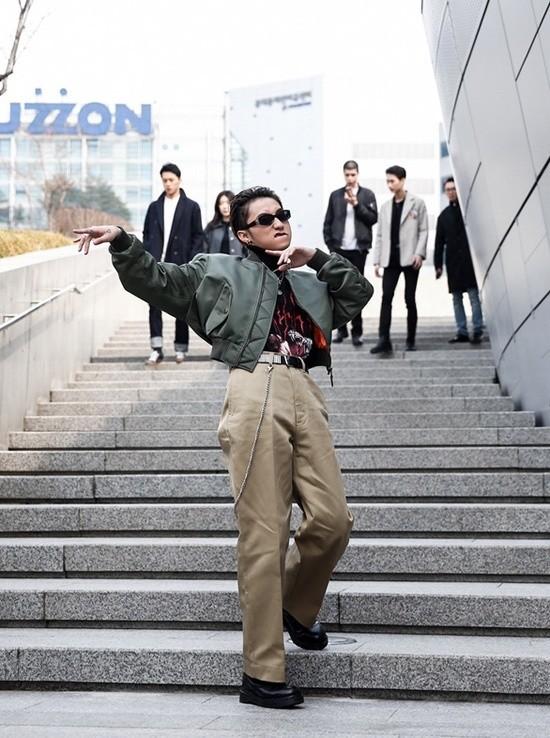 Phí Phương Anh và Tóc Tiên là hai cái tên đang hot nhất tại Seoul Fashion Week
