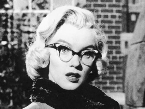 Nhiều biểu tượng nhan sắc của Hollywood ưa chuộng loại kính này. Điển hình là Marilyn Monroe.
