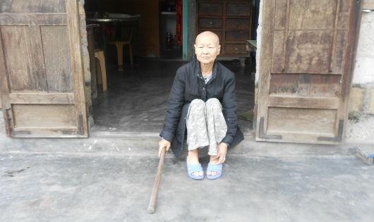 Bà Thơm không chồng con, một mình chống chọi căn bệnh ung thư giai đoạn cuối
