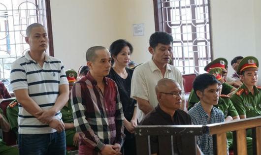 Trùm ma túy thành Vinh: Lĩnh 2 án tử không cay cú bằng việc bị 'lừa tình'