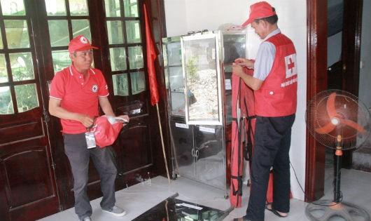 Tình nguyện biến ngôi nhà bạc tỷ thành nơi cứu người gặp nạn
