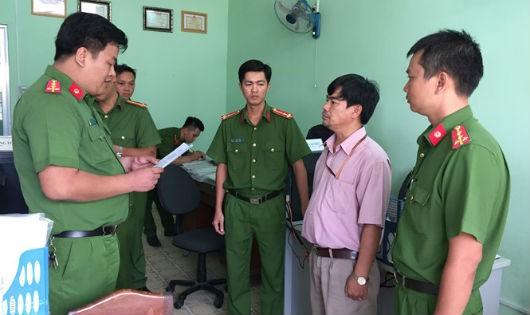 Bắt khẩn cấp Trưởng phòng Thanh tra - Pháp chế Trường Cao đẳng Cần Thơ