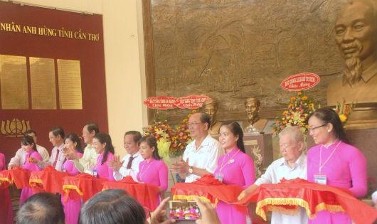 Cần Thơ: Triển lãm chào mừng Quốc khánh và thành lập ASEAN