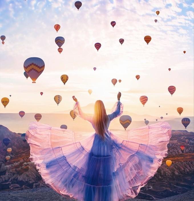 Thắng cảnh thế giới đẹp thêm nghìn lần nhờ mỹ nữ váy áo lộng lẫy