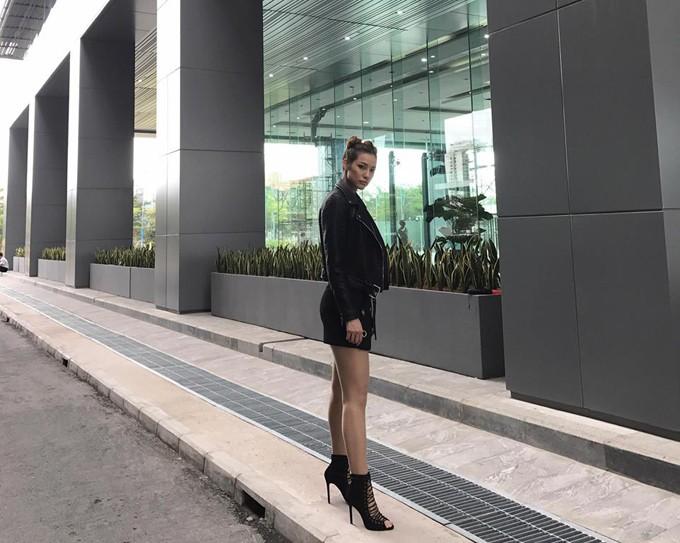 lilly-nguyen-chuong-trang-phuc-khoe-khoan-sexy-5