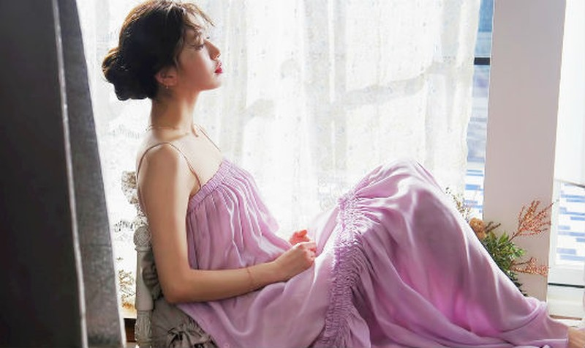 Yêu Lee Min Ho, 'tình đầu quốc dân' Suzy ngày càng quyến rũ