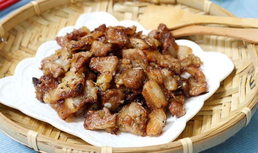 Thịt ba chỉ ướp sả nướng ngon như ngoài hàng