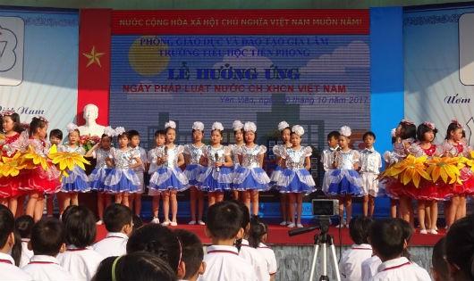 Một buổi lễ hưởng ứng Ngày Pháp luật của Trường Tiểu học Tiền Phong - Hà Nội