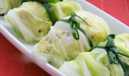 Hao cơm với món bắp cải cuộn thịt