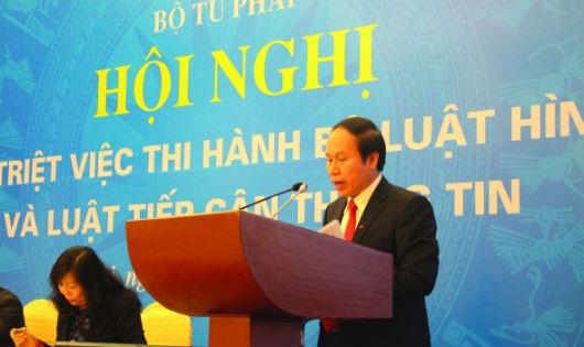 Thứ trưởng Bộ Tư pháp Tiến Châu giới thiệu BLHS 2015