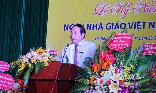 Thứ trưởng Bộ Tư pháp, Hiệu trưởng Trường ĐH Luật Hà Nội Lê Tiến Châu phát biểu tại Lễ kỷ niệm Ngày 20/11