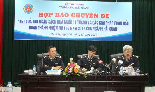 Lãnh đạo Cục Thuế XKN trả lời tại buổi họp báo