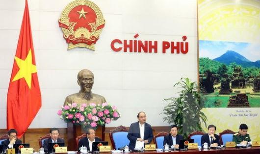 Thủ tướng Nguyễn Xuân Phúc phát biểu trong phiên họp.