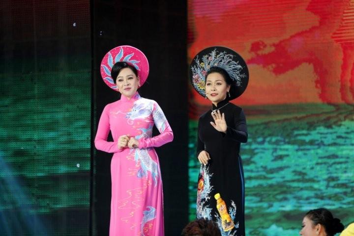 3. Ca si Dong Dao va doanh nhan Tran Uyen Phuong (2)