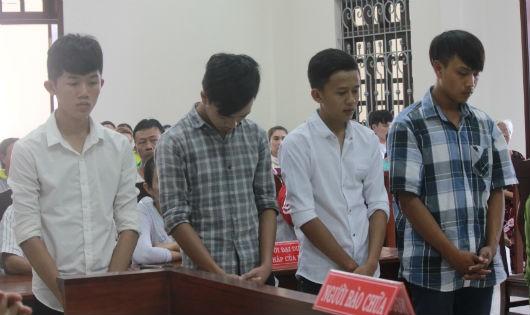 Các bị cáo trong vụ án này đối diện mức án cả 100 năm tù
