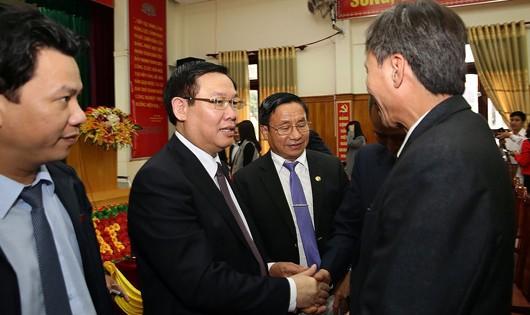 Phó Thủ tướng không đồng tình ghi tên các thành viên gia đình vào sổ đỏ